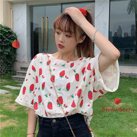 STRAWBERRY PRINT LOOSE TEE