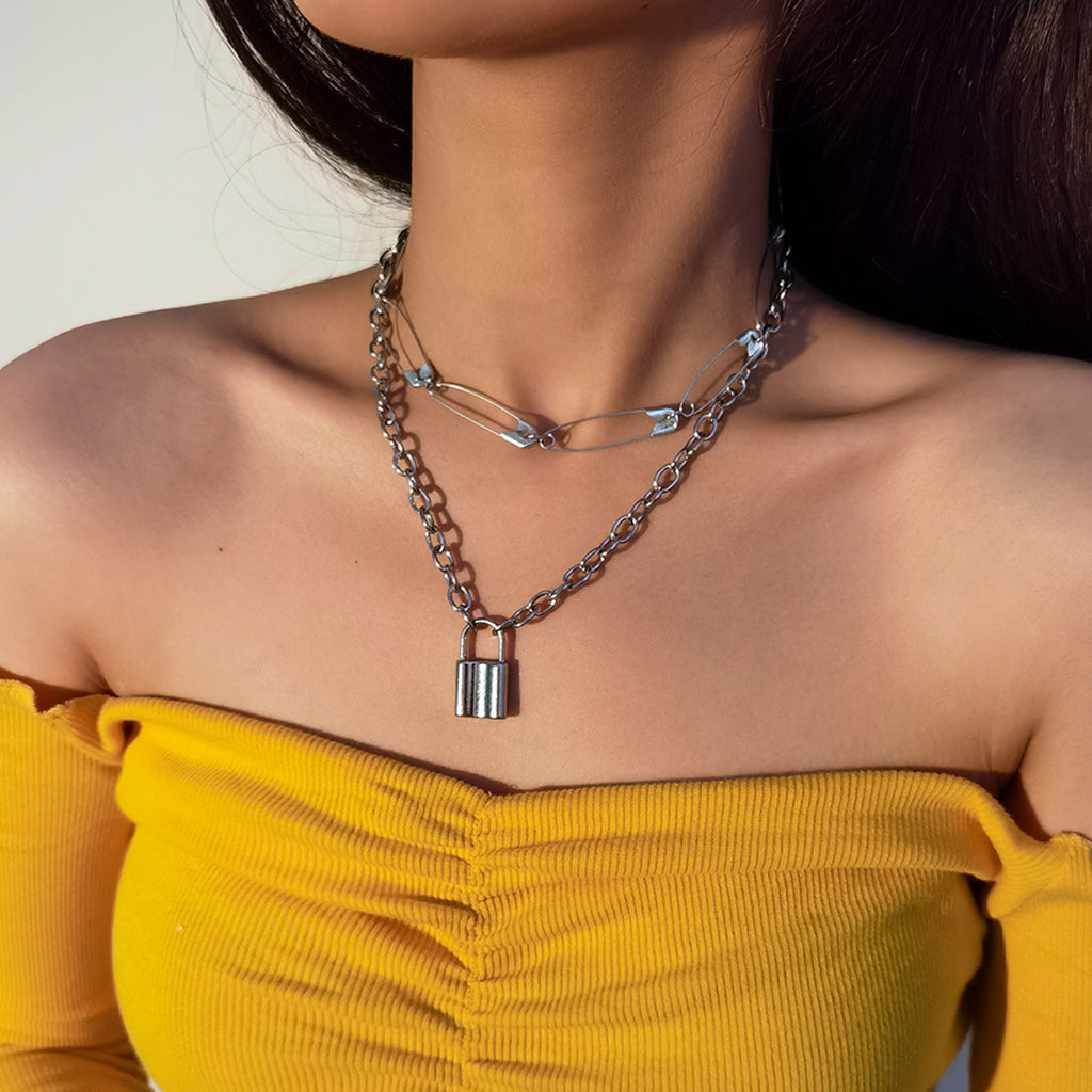 LOCK PIN DOUBLE LAYER NECKLACE