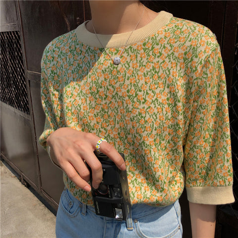 SPRING FLOWERS KNIT TOP