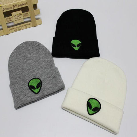 ALIEN EMBROIDERED BEANIE HAT