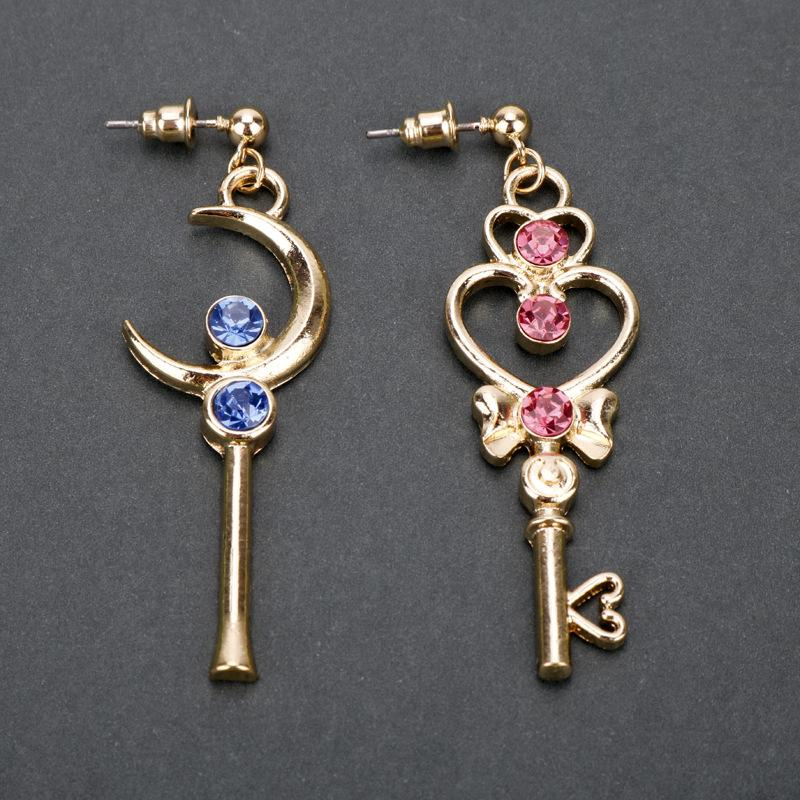 SAILOR MOON KEY ASYMMETRIC EARRINGS