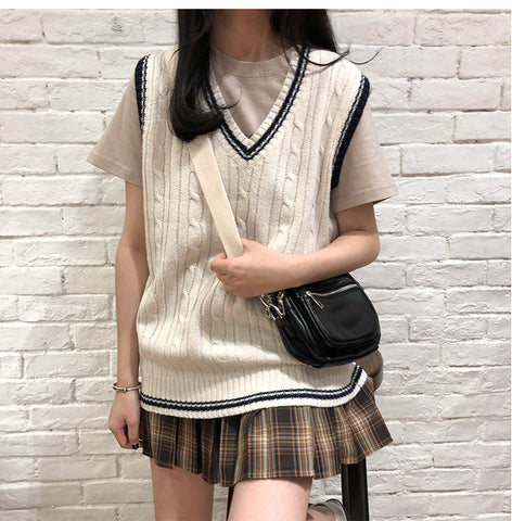 TWIST STRIPE V-NECK KNIT VEST