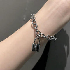 CROSS LOCK BRACELET
