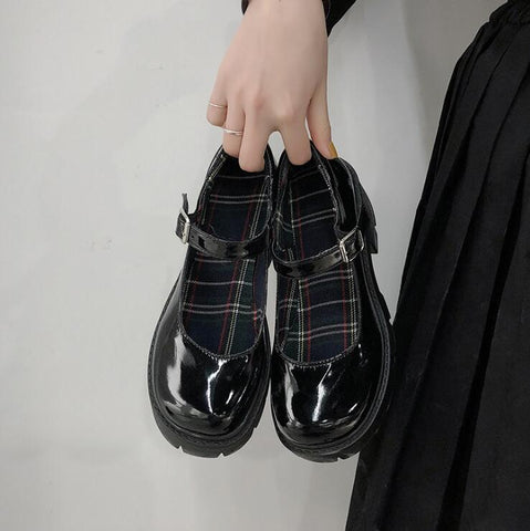MARY JANE PLATFORM SHOES (4.5-8)