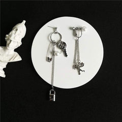 ASYMMETRIC CUPID & LOCK PEARL EARRINGS