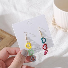 CONTRAST HEART EARRINGS