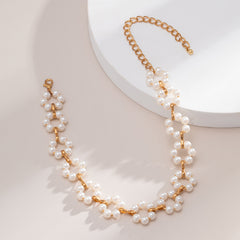 HOLLOW FLOWER INLAID PEARL NECKLACE
