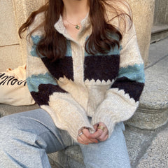HEART BUTTON CONTRAST SWEATER CARDIGAN