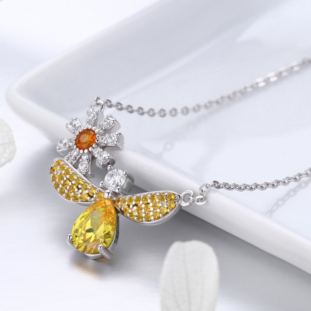 Trendy 100% 925 Sterling Silver Fashion Daisy with Bee Yellow CZ Pendant Necklaces Women Sterling Silver Jewelry SCN242