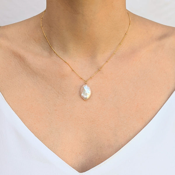 Large keshi petal pearl gold necklace model