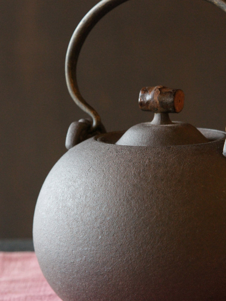Japanese Style Ceramic Kettle-Crescent Spring 1250ml 00