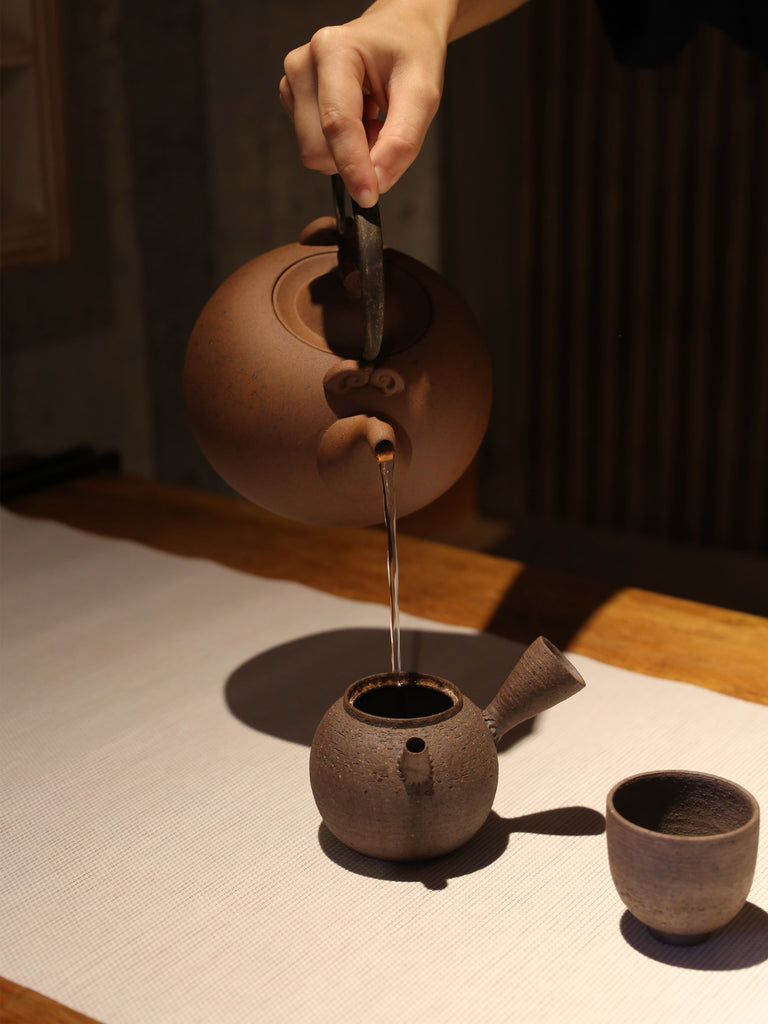 Japanese Style Ceramic Kettle-Crescent Spring 1250ml 03