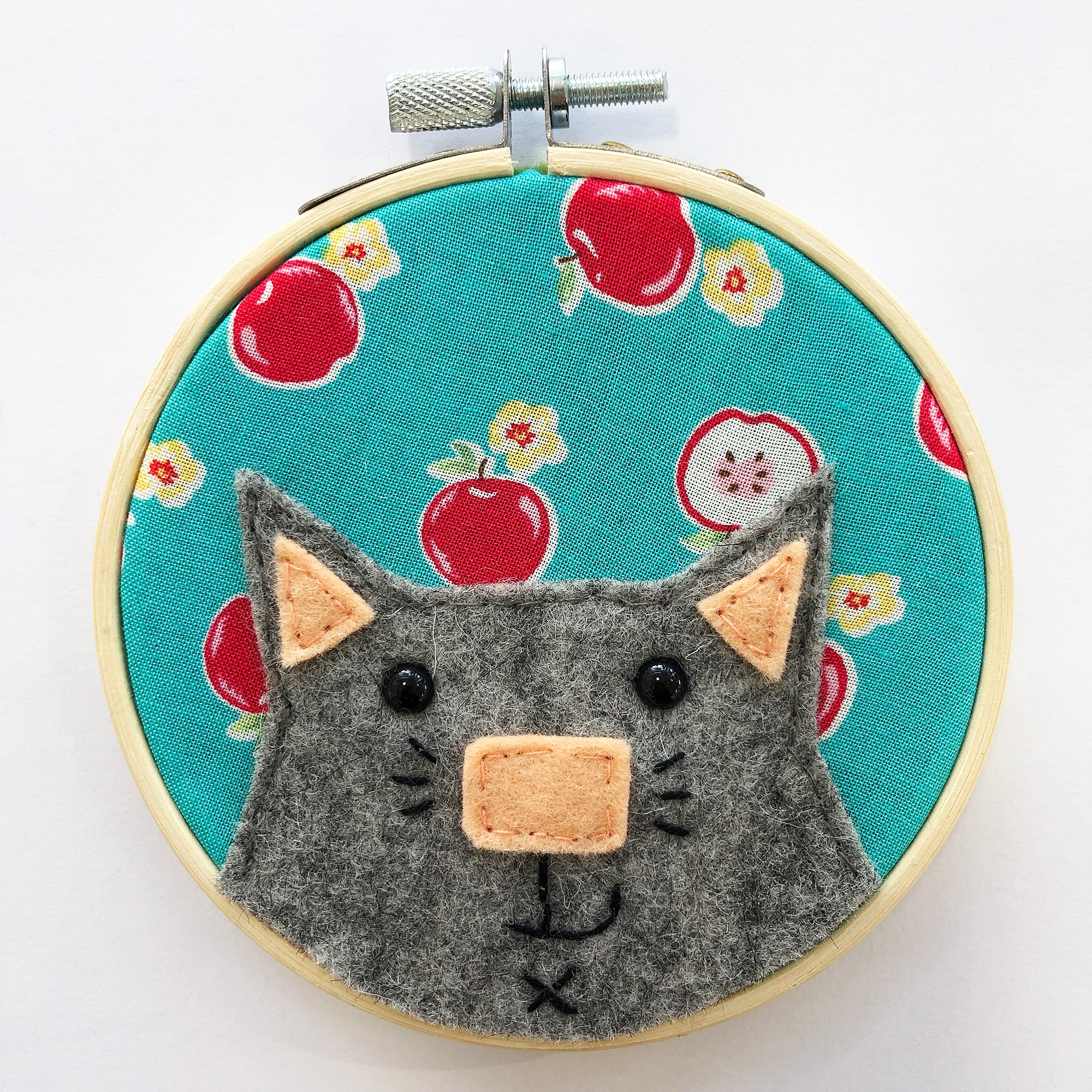 Small cat embroidery Hoop