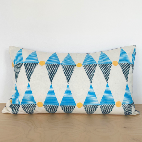 Blue diamonds and yellow circles printed 50x30cm cushion cover