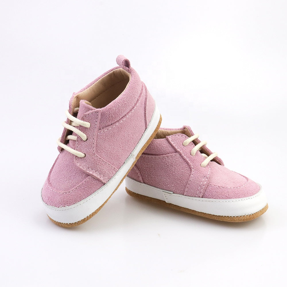 Casual pink low-top shoes
