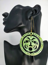 Load image into Gallery viewer, Serpent Earrings ( Jade green color )
