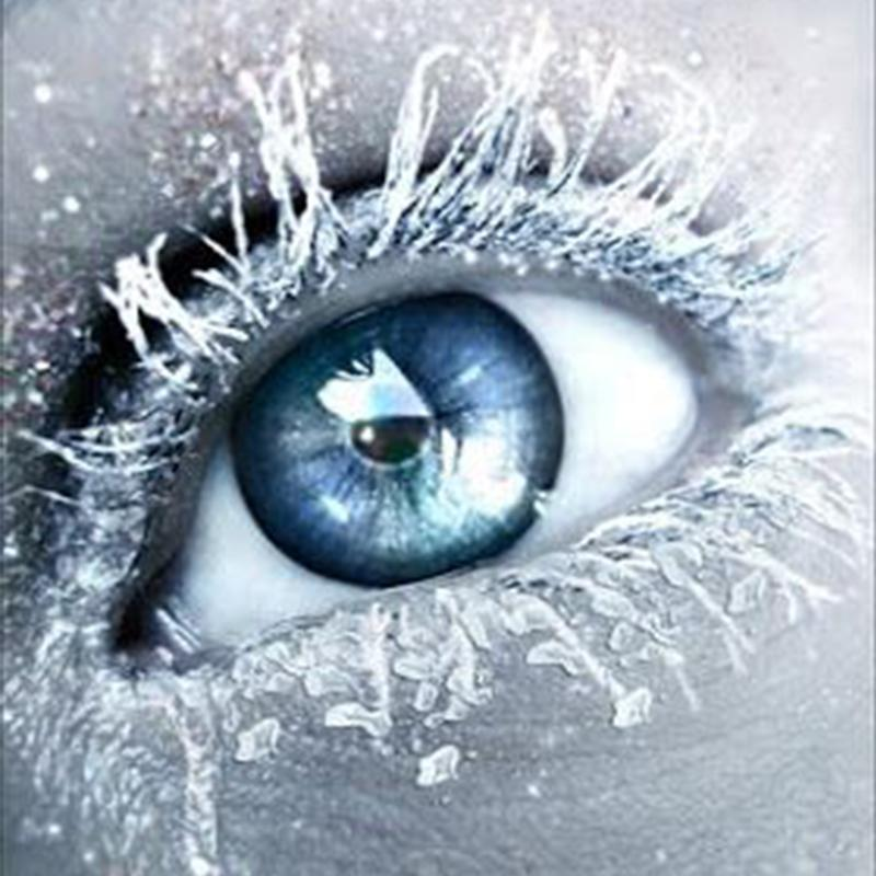Snowflake shiny black crystal blue (12 months) contact lens