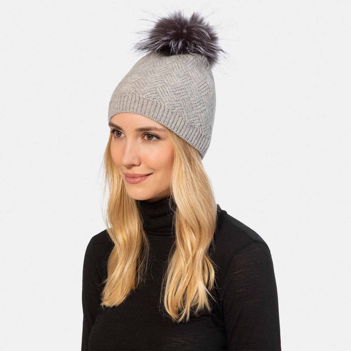 Diamond Stitch Knit Hat with Fur Pom Pom-Amicale Cashmere