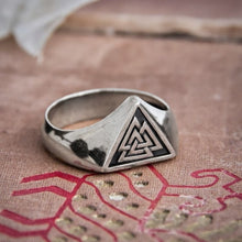 Load image into Gallery viewer, 316L Stainless Steel Viking Valknut Triangle Symbol Ring for Men Nordic Runes Protection Amulet Rings Viking Jewelry