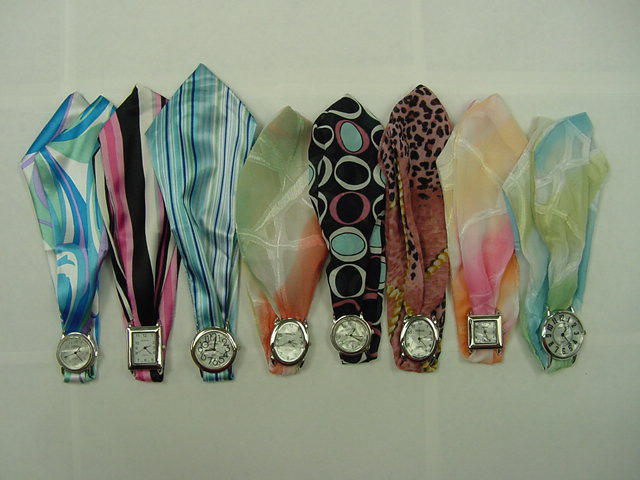 25 Printed Scarf Watches