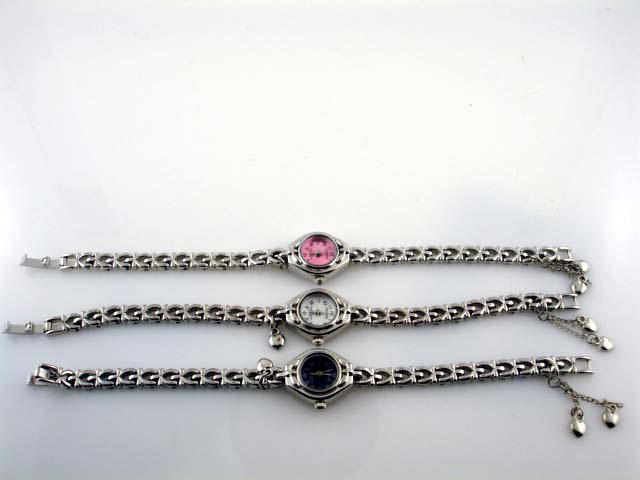 12 Womens Charm Watches3
