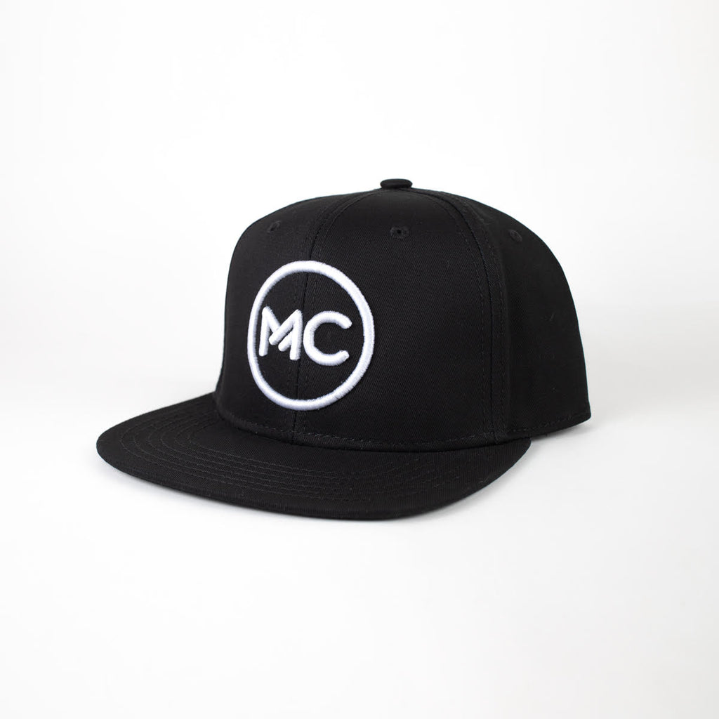 GORRA MC Chill.o Negra – MC Blanco