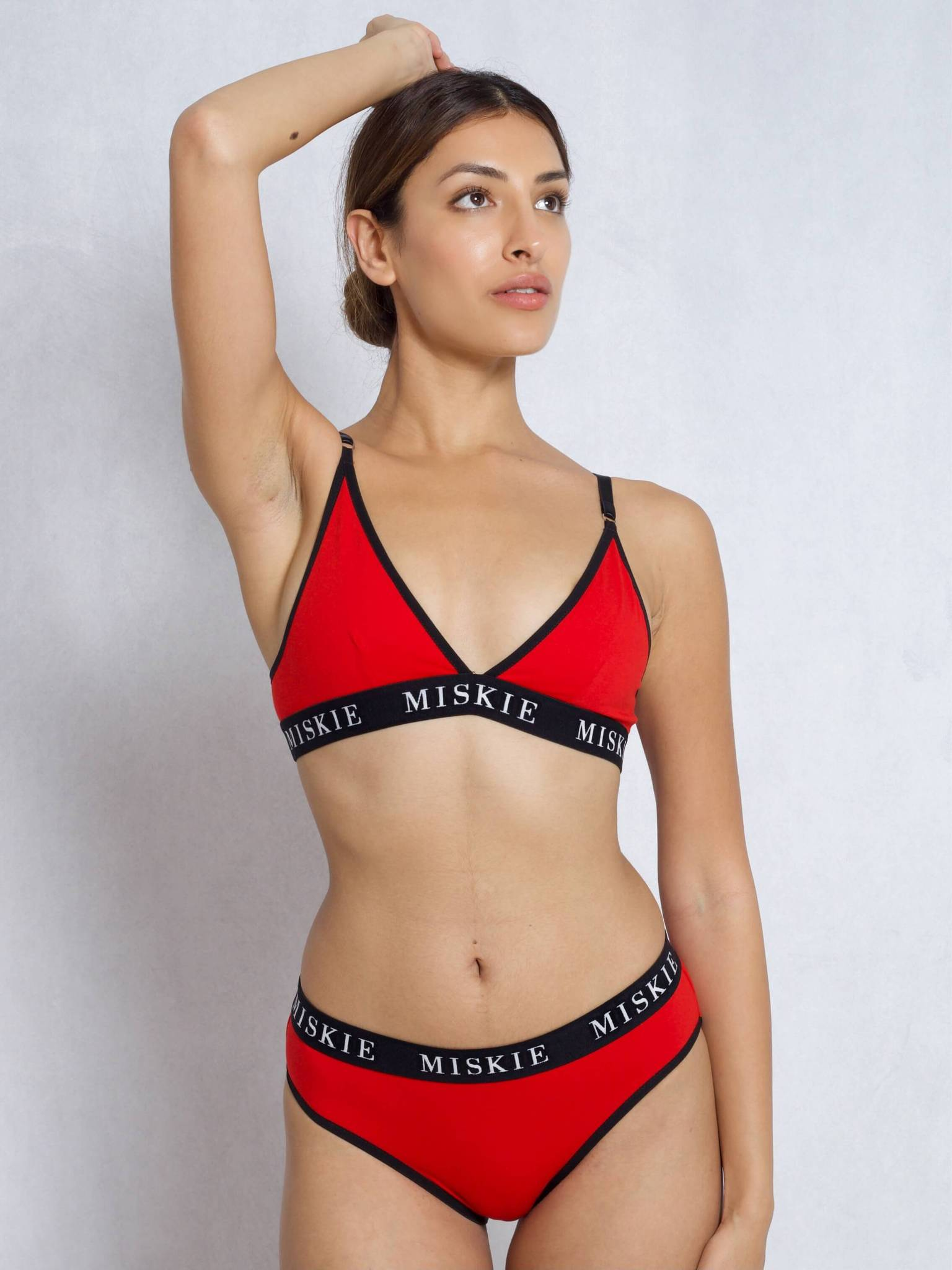 Bralette & Hipster Set In Red