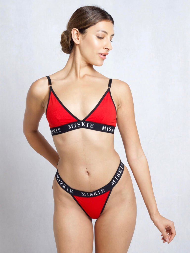 <transcy>Bralette & Tanga Set In Rot</transcy>