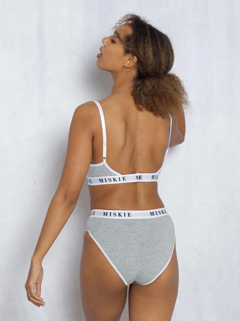 <transcy>Bralette & Hipster Set In Grau</transcy>