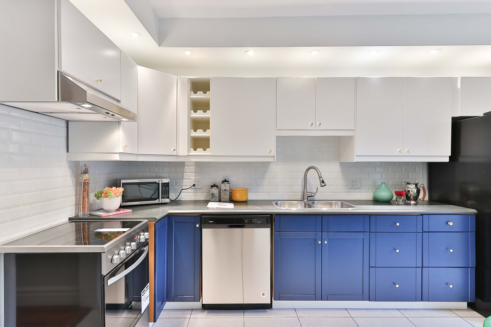 Spray Painting Kitchens How To Paint Cabinets Cupboards Cost