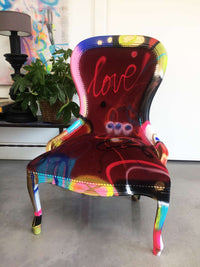 "Chaise customisée DONOMIQ bordeaux face ""Love Chair"" 193"