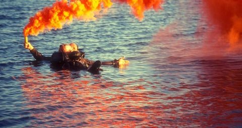 Electronic distress flare, boat safety