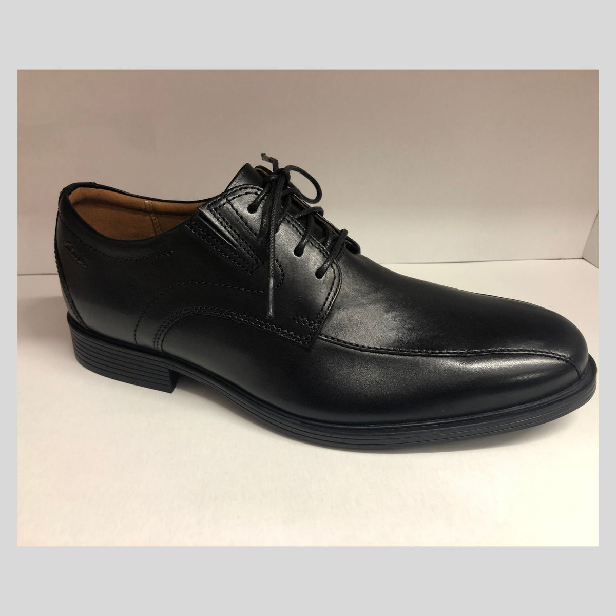 Clarks Whiddon Pace - Black Leather