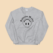 Load image into Gallery viewer, Valiendo Madre Sweatshirt