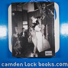 Load image into Gallery viewer, Avedon Fashion 1944-2000 [: the definitive collection]>>BRAND NEW<< Richard Avedon ISBN 10: 0810983893 / ISBN 13: 9780810983892 New Condition: New