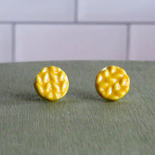 Load image into Gallery viewer, Sweater Weather Stud Earrings