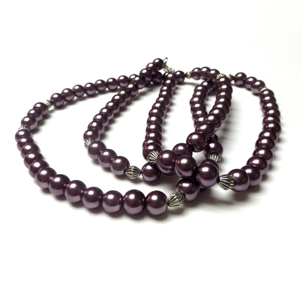 MAUVE GLASS PEARL NECKLACE.
