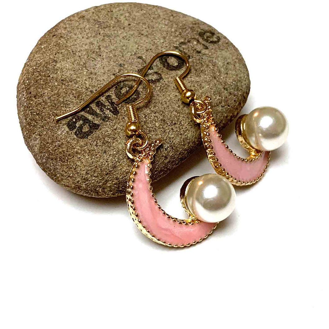 PEARLY PINK CRESCENT MOON EARRINGS. TEENS. CELESTIAL.