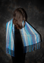 Load image into Gallery viewer, Best warm infinity scarf woven with wool and silk at Bettlehouse