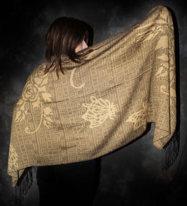 Shawl with Nature motives woven  with 100% silk.
