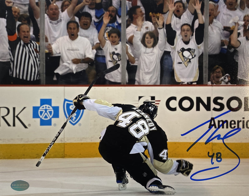 Tyler Kennedy Signed Pittsburgh Penguins 8x10 Photo