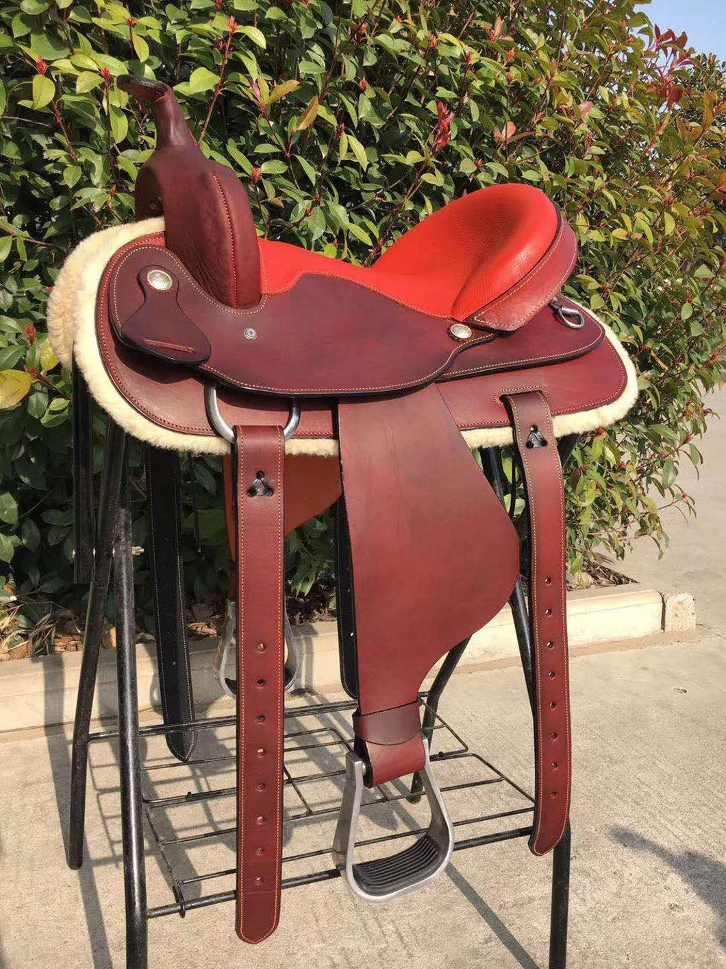 Horse Riding Saddle Full Genuine Leather Very Comfortable