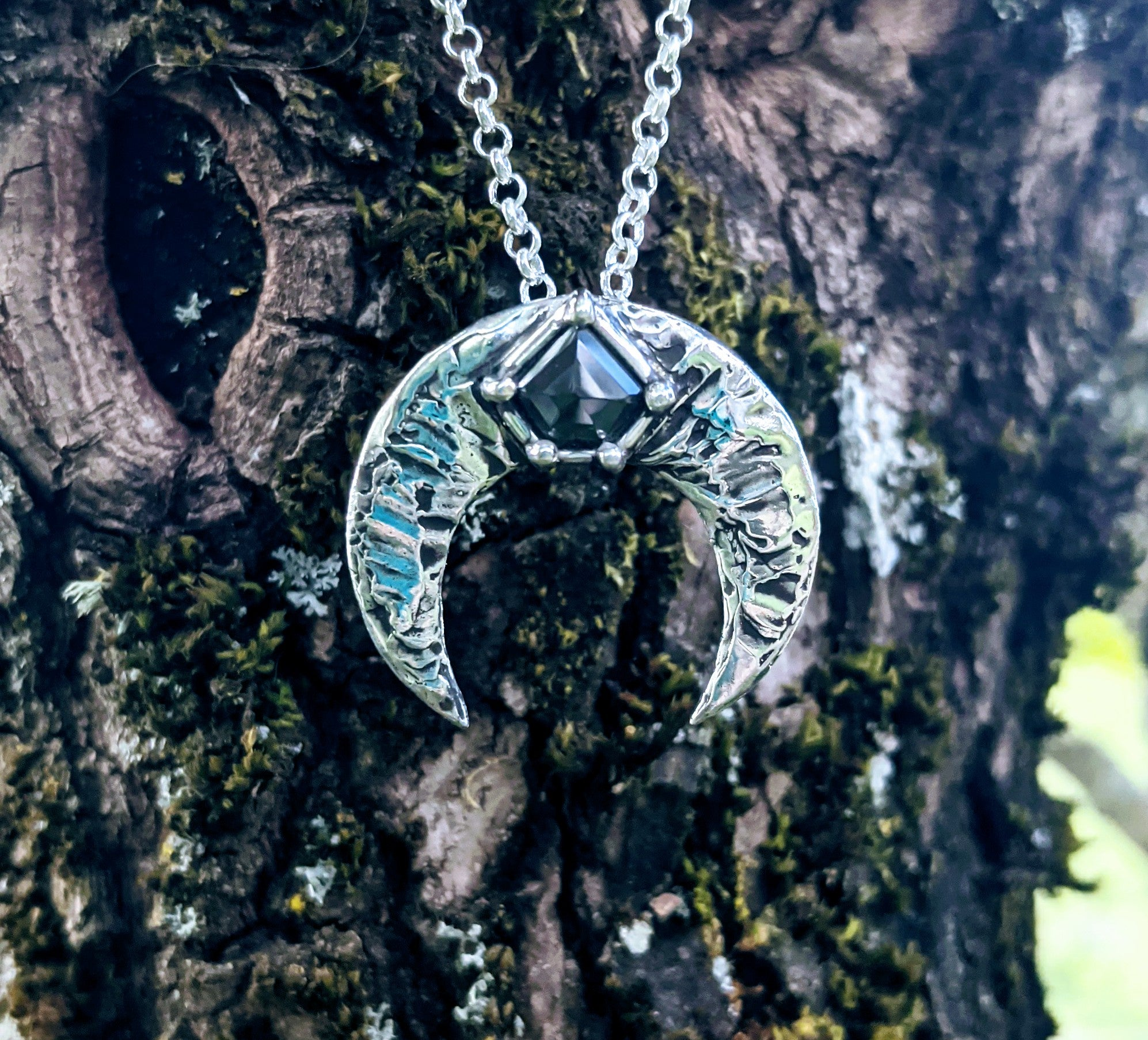Naja Luna in Sterling Silver and Black Shield Moissanite