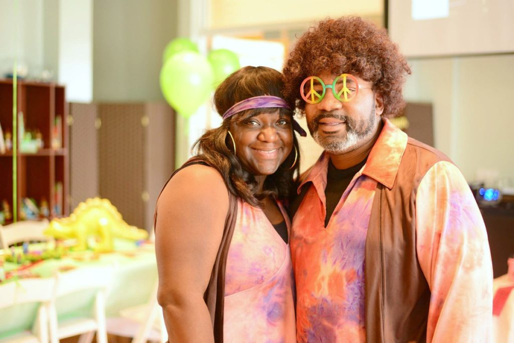 70s-costume-his-hers