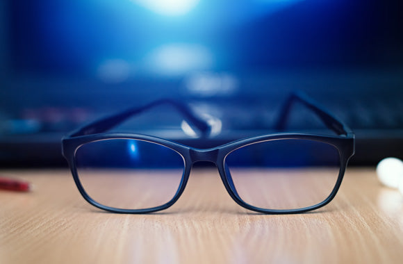 BLUE LIGHT, BLUE LIGHT GLASSES & WHAT YOU NEED TO KNOW