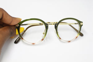 https://dazzlecollectibles.com/blogs/blog/3-reasons-you-should-own-a-pair-of-glasses