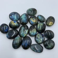 Load image into Gallery viewer, Natural  Labradorite