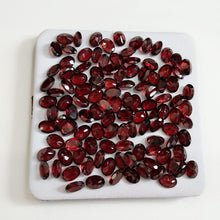 Load image into Gallery viewer, Top Quality  Natural 6 * 8 MM Oval Cut Garnet Loose Gemstone