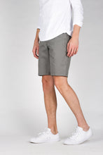 Keenan Lightweight Short - Light Grey