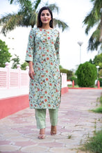 Load image into Gallery viewer, Stylish Cotton Green Floral Print Kurta With Pant Set
